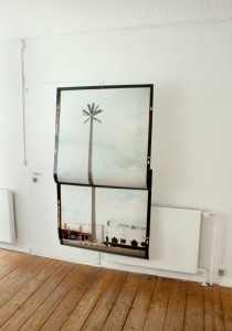 Installation view: Palm Spring, doublet / Fra een til en anden.  [187 x 106 cm, scan of analogue negatives, injek color prints, 1/5] © Ditte Knus Tønnesen